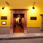 Dos Casas Hotel